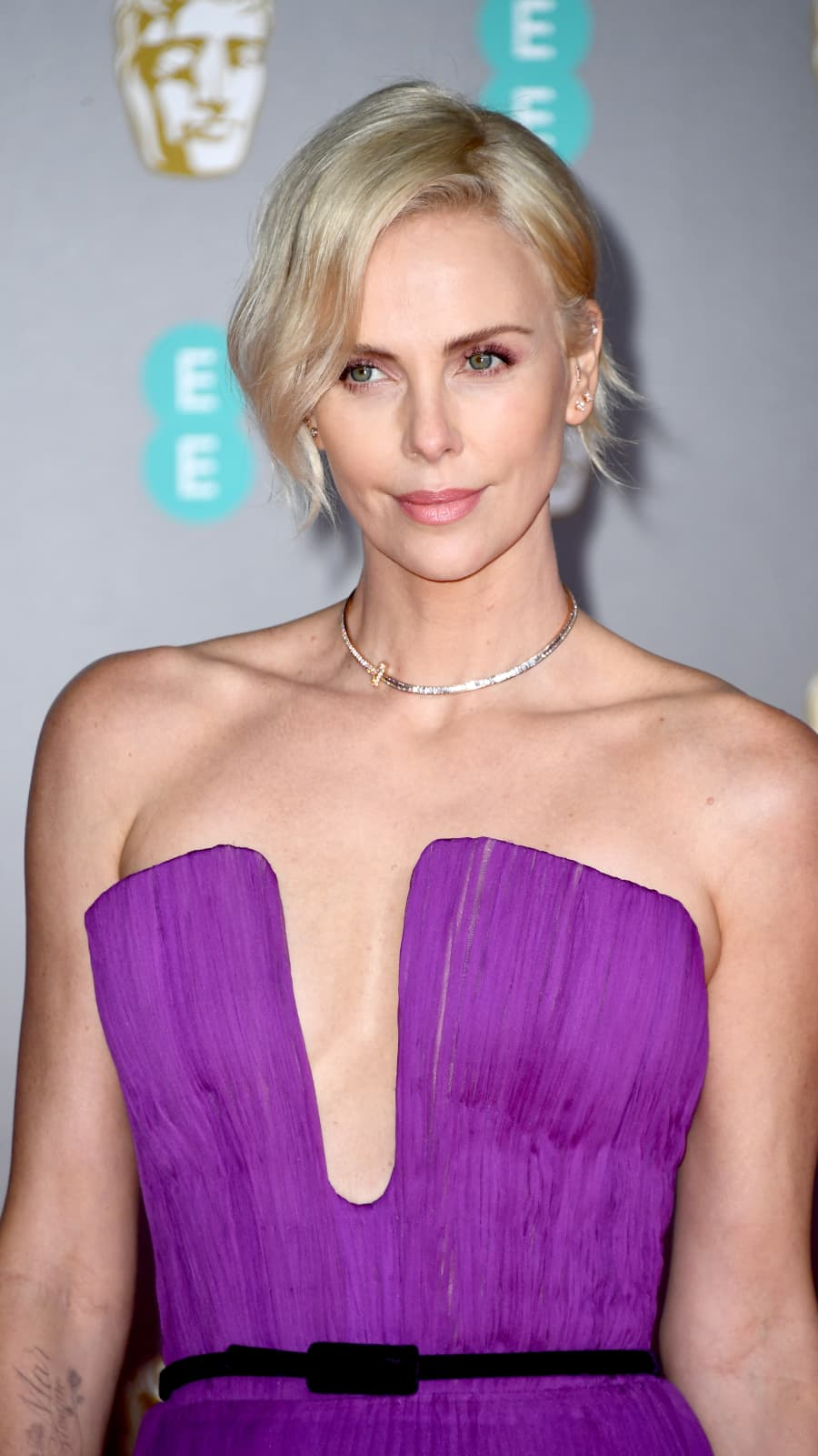The Truth About Ryan Reynolds Relationship With Charlize