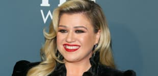 "Kelly Clarkson Will Make Sure Her Children Grow Up In A ""Stable, Loving Environment,"" Says Source"