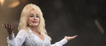 Dolly Parton Fans Petition For Statues Of Her To Replace Tennessee Confederate Monuments
