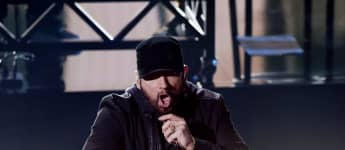 "Eminem Surprises At The Oscars With A Performance of ""Lose Yourself"""