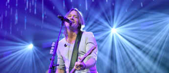 "Keith Urban Releases Music Video For New Song ""Polaroid"" - Watch It Here!"