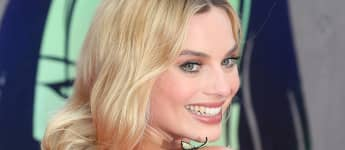 """Margot Robbie attends the European Premiere of """"Suicide Squad"""" at Odeon Leicester Square on August 3, 2016 in London, England"""