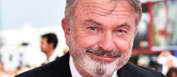 """Sam Neill Covers """"Uptown Funk"""" By Bruno Mars On Ukulele - Watch It Here!"""