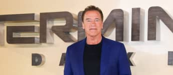 """Arnold Schwarzenegger Suffered a """"Deep"""" Wrist Wound While Shooting 'Total Recall' 30 Years Ago"""