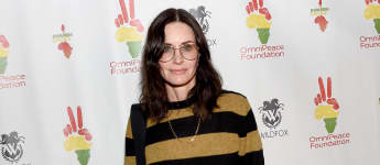 """'Friends' Star Courteney Cox Thinks Prince Harry Is """"A Really Nice Guy"""""""
