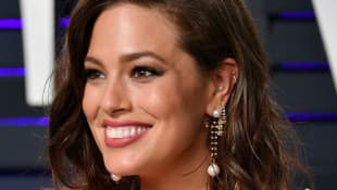 """Ashley Graham Gets Real About """"Messy"""" Postpartum"""