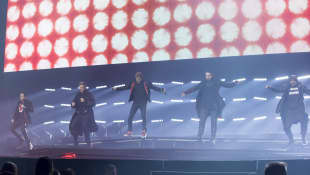 Nick Carter, Kevin Richardson, Brian Littrell, Alexander James McLean and Howie Dorough representing The Back Street Boys