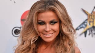The Last Dance Carmen Electra Dennis Rodmans Crazy Story With Couch Michael Jordan