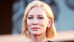 """Cate Blanchett Questions The Response To The Coronavirus: """"We Don't Learn By The Painful Examples"""""""