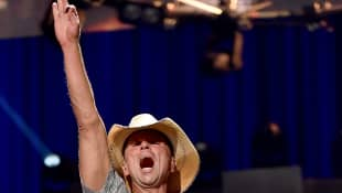 Kenny Chesney performing at the 2015 iHeartRadio Music Festival