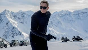 "Daniel Craig James Bond actor Confesses He ""Fakes It"" When Driving Aston Martin In '007' Movies"