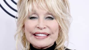 Dolly Parton Performs 'He's Alive' On Easter Sunday During Self Isolation