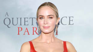 Emily Blunt Parodies 'A Quiet Place' Movie With Jimmy Kimmel - Watch It Here!