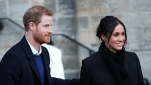Harry & Meghan Release Statement As 'Finding Freedom' Extracts Make Headlines