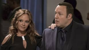 "Kevin James and Leah Remini in the Sitcom ""Kevin Can Wait""."