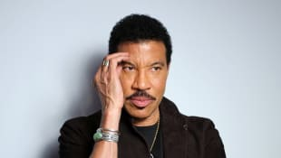 "Lionel Richie Wants To Bring Back ""We Are The World"" For Coronavirus Victims"