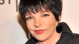 """Liza Minnelli Debunks Report On """"Unlikely Friendship"""" With Prince Harry & Meghan Markle"""