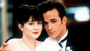 "Shannon Doherty and Luke Perry in ""Beverly Hills, 90210"""