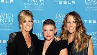 "The Dixie Chicks Change Band Name To The Chicks: ""We Want To Meet This Moment"" New Song Black Lives Matter"