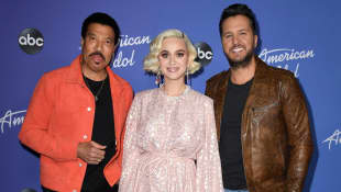'American Idol' Virtually Crowns Season 3 Winner!