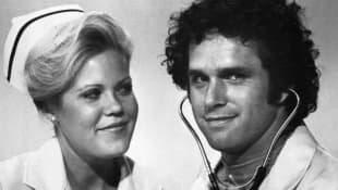 "Christopher Norris and Gregory Harrison as ""Gloria 'Ripples' Brancusi"" and ""Dr. George Alonzo 'Gonzo' Gates""."