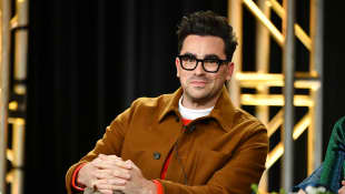 "Dan Levy Makes Impassioned Plea For People To Wear Coronavirus Masks As An ""Act of Kindness"""