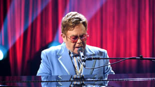 "Elton John postpones farewell tour in Indianapolis as he ""is extremely unwell"""