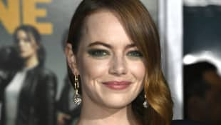 Emma Stone is engaged to SNL director Dave McCary!
