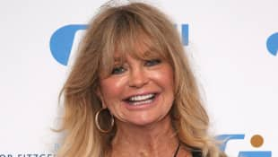 "Goldie Hawn Dances To Dua Lipa On Her Mini Trampoline: ""Twirl Like Nobody's Watching"""