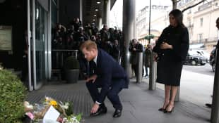 Harry and Meghan Pay Tribute To New Zealand Shooting Victims