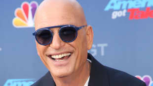 Howie Mandel Loves To Prank His Wife In Quarantine In This Mean Way.