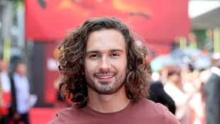 "Joe Wicks ""The Body Coach"" Heads To Hospital After Breaking His Hand"