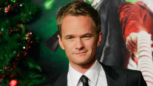 Neil Patrick Harris and his husband David Burtka show off their fabulous Brownstone home decorated for Christmas