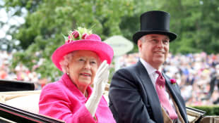 "Queen Elizabeth II ""Backs"" Prince Andrew after his interview"