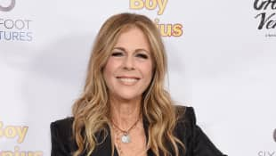 "Rita Wilson Jokes About Her ""Coronavirus Vacation"" After Testing Positive"