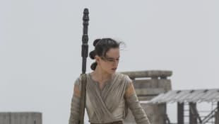 "'Star Wars': Daisy Ridley Spills That ""Rey"" Was Originally Set To Be Related To Obi-Wan Kenobi"