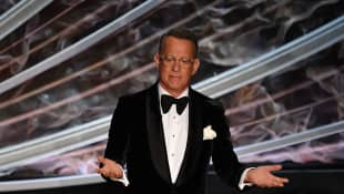 "Tom Hanks Says ""Shame On You"" To Those Who Don't Wear A Mask And Social Distance"