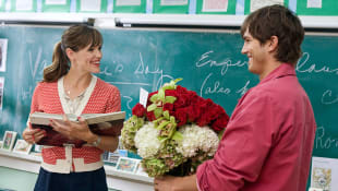 Jennifer Gardner and Ashton Kutcher in 'Valentine's Day'