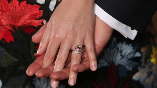Princess Eugenie's engagement ring is absolutely stunning