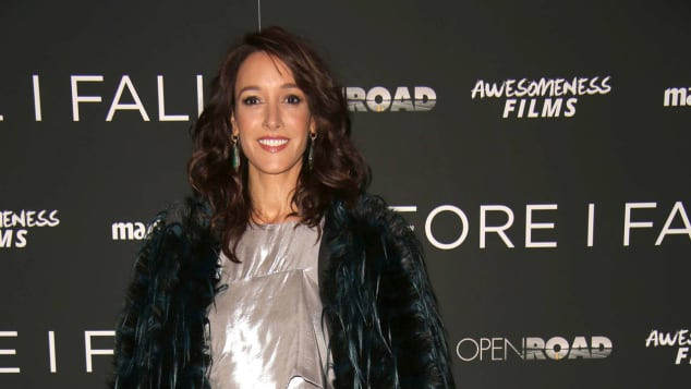 """Flashdance"" star Jennifer Beals still looks fabulous"