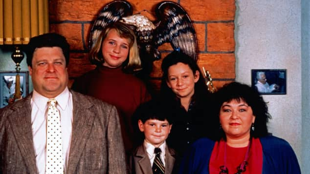 "John Goodman, Laurie Metcalf, Alicia Goranson, Michael Fishman and Roseanne Barr, Sitcom, ""Roseanne"", 1988"