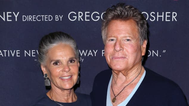 Ali MacGraw and Ryan O'Neil