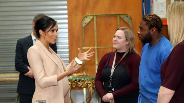 Duchess Meghan meets apprentices at the National Theatre