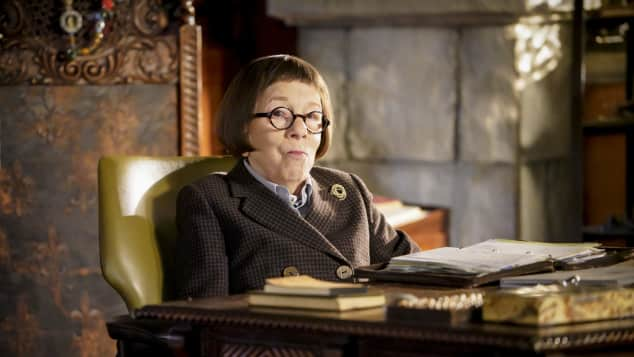 Linda Hunt as Hetty in Navy CIS: L.A. what's behind her mysterious disappearance
