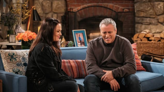 Matt Leblanc and Liza Snyder in Man With A Plan
