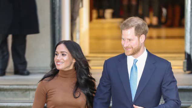 "Duchess Meghan leaves for Canada as Prince Harry will follow her ""as soon as possible"""