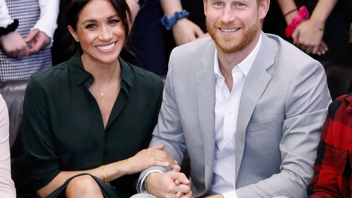 Will Prince Harry And Duchess Meghan NOT Spend Christmas With The Queen?