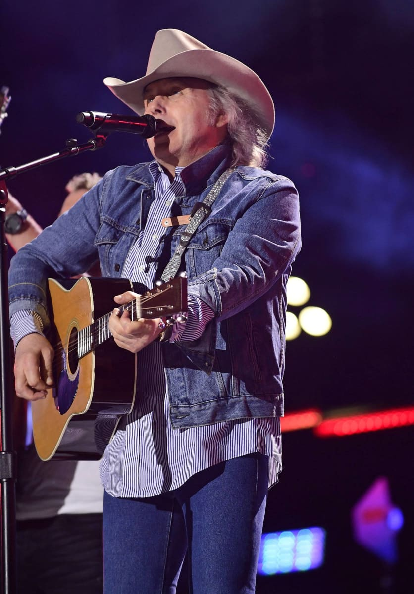 Alan Jackson, small town southern man | Country music ... |Classic Country Singers Men