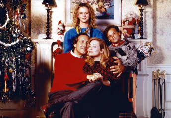 "Chevy Chase, Beverly D'Angelo, Juliette Lewis and Johnny Galecki in ""Christmas Vacation"""