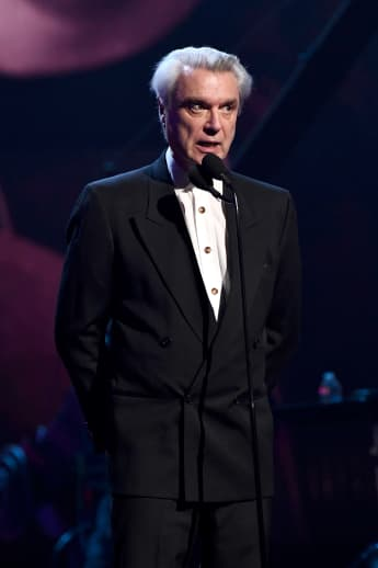 """David Byrne Performs Talking Heads Classic """"Once In A Lifetime"""" On 'SNL'"""